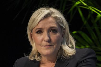Марин Ле Пен заявила о намерении участвовать в выборах президента