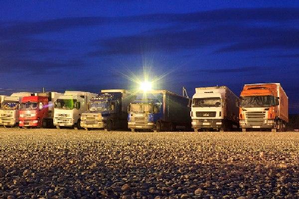 В Смоленской области двое мужчин нагрели дальнобойщиков на 2,5 миллиона