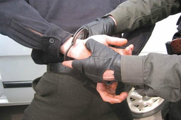 В Смоленске грабитель похитил продукты из магазина на Исаковского