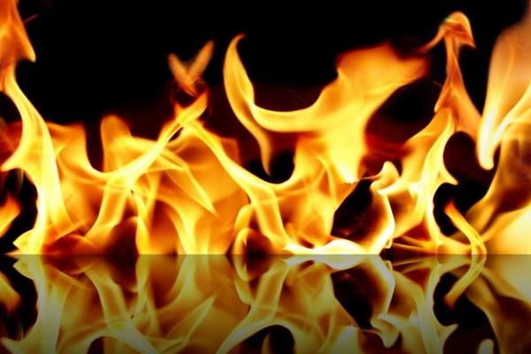 В Смоленской области неустановленные лица подожгли гараж