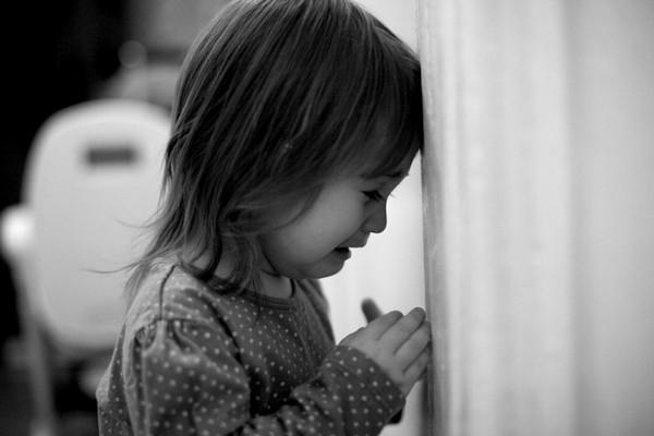 В Смоленской области отец избил 5-летнюю дочку, прежде чем сдать её в реабилитационный центр