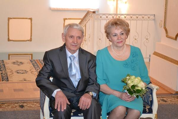 Семейная пара из Смоленская отпраздновала золотую свадьбу