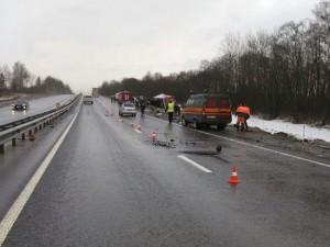 Число жертв наезда МАЗа на дорожников выросло до трех