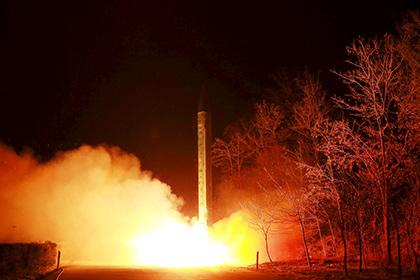 Северная Корея запустила ракету в сторону Японского моря