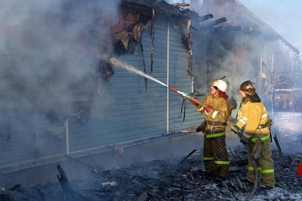 В Смоленской области из-за неисправной электрики сгорел жилой дом