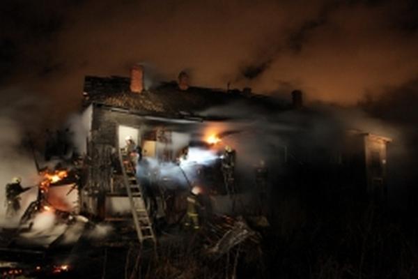 В Смоленской области за сутки в огне погибли двое мужчин