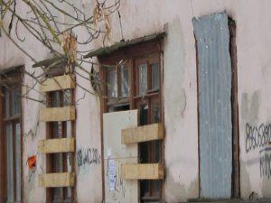На снос аварийных бараков в Смоленске из казны потратят полмиллиона