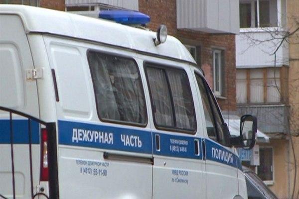 В Смоленской области похитители на глазах свидетеля отбуксировали со двора чужой автомобиль
