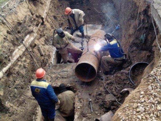 Ремонт теплотрассы на Краснинском шоссе осложнили нелегальные сети