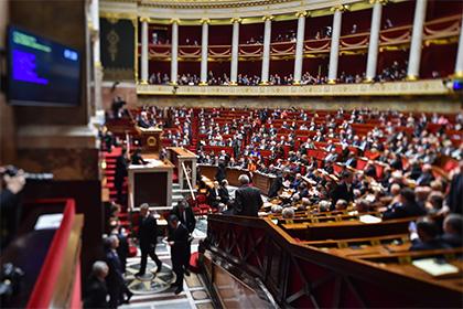 В парламенте Франции приняли резолюцию об отмене санкций против России