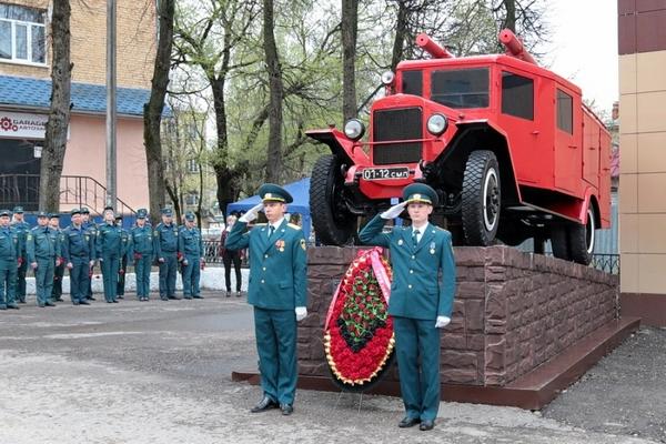 В Смоленске почтили память пожарных, погибших при выполнении служебного долга