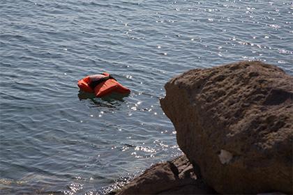 У берегов Египта затонуло судно с 400 мигрантами на борту