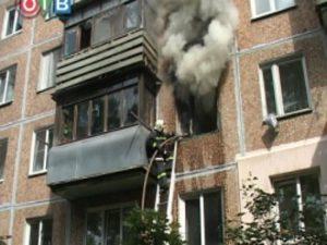 В загоревшейся на десятом этаже квартире пострадал шестилетний ребенок