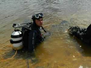 В Западной Двине безуспешно искали тело утонувшего парня