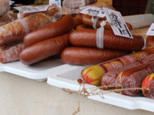 Жителей улицы Нормандии-Неман лишат корейской кухни и колбасы