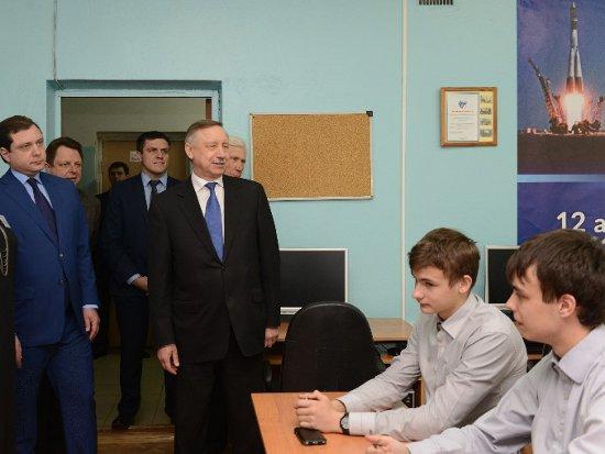 Гагаринские школьники пригласили в гости Путина