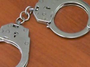 Троица молодчиков пойдет под суд за вооруженный разбой