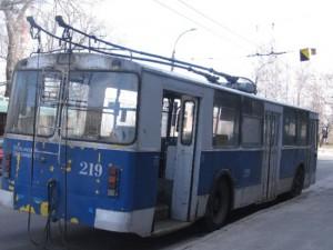 На Киселевке по просьбам жителей перенесли троллейбусную остановку