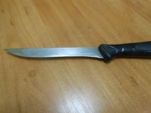 Молодая жительница райцентра набросилась с ножом на свою мать