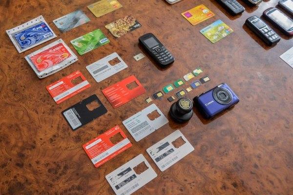 В Смоленске задержали банду мошенников, воровавших деньги с банковских карт