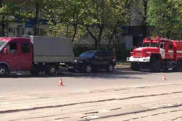 Из-за угрозы взрыва в Смоленске перекрыли одну из центральных улиц