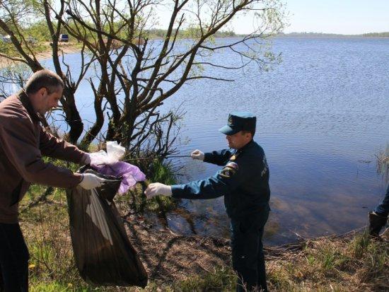 Вокруг озера ТЭЦ-2 убрали мусор в рамках акции «Чистый берег»