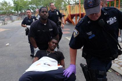 В Нью-Йорке при стрельбе на детской площадке ранены шесть подростков