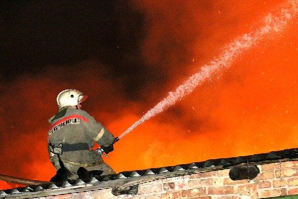Под Смоленском в огне погибла установка штукатурной станции