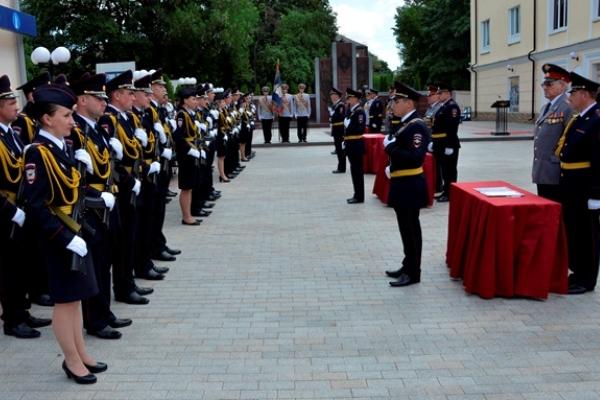 В Смоленске 40 новобранцев-полицейских приняли Присягу