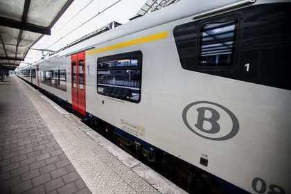 В Бельгии столкнулись пассажирский и грузовой поезда