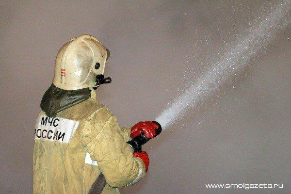 В Смоленской области горело производственное помещение