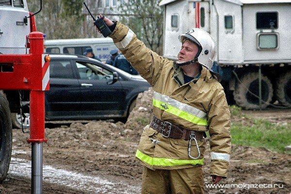 В Смоленске ночью горели два легковых автомобиля