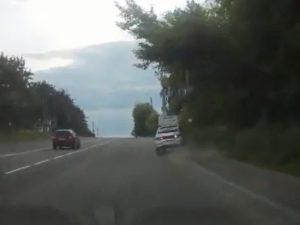 Пьяная девушка на авто устроила погоню с полицией