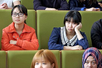 Китайским абитуриентам пригрозили тюремным сроком за списывание