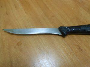 Изрезанная мужем женщина вырвала нож и убила домашнего тирана