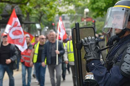 Профсоюзы Франции выступили в защиту права на демонстрации