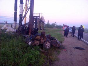 В налетевшей на столб «Приоре» разбились насмерть два человека