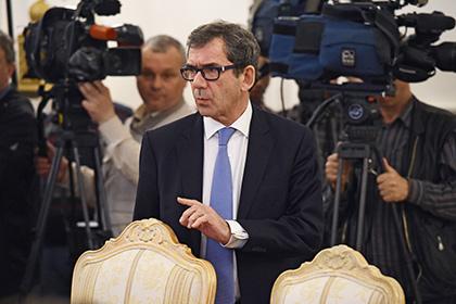Посла Франции вызвали в МИД России из-за задержания болельщиков