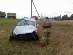 В Смоленской области «Peugeot» съехал в придорожный овраг