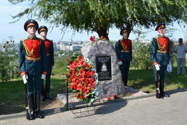 На Мамаевом кургане установили мемориальный камень в память о смолянах, погибших в Сталинградской битве