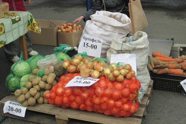 В Смоленской области подорожали картошка и гречка, зато подешевело пиво