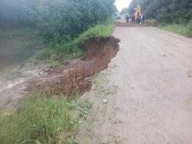 В Сафоновском районе дождь смыл дорогу