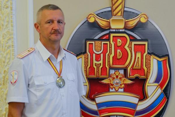 Смоленских полицейских наградили за спортивные достижения