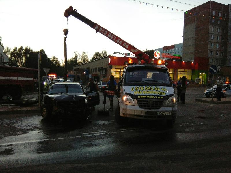 В Десногорске столкнулись две иномарки