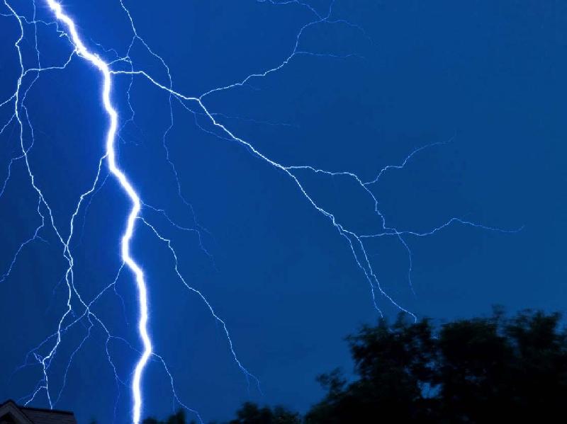 В Смоленской области молния попала в танцплощадку