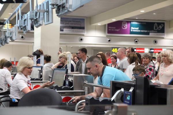 «Ажиотажа нет, но путевки покупают». Смоленские туроператоры – о возобновлении полетов в Турцию