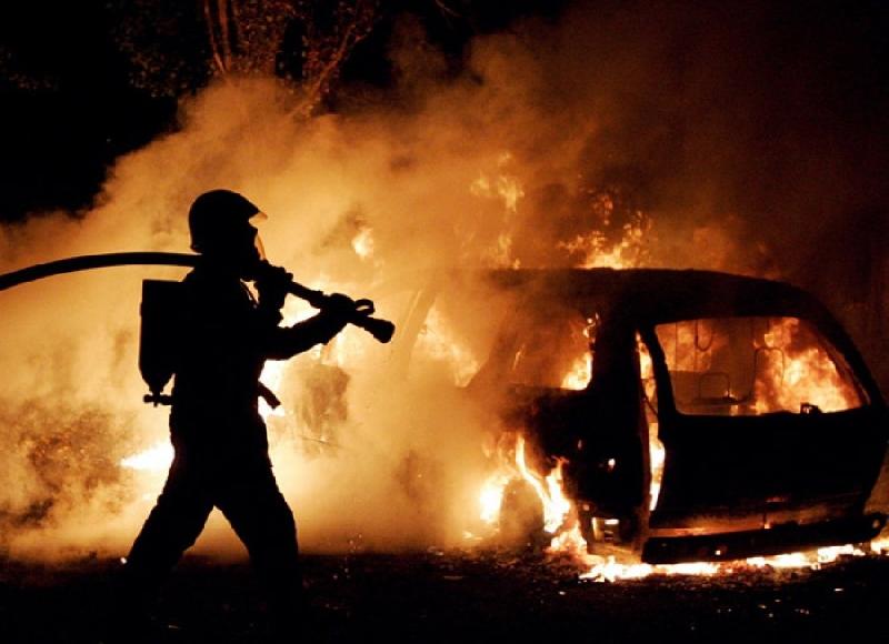 Смоляне подожгли чужую машину, пытаясь скрыть следы взлома