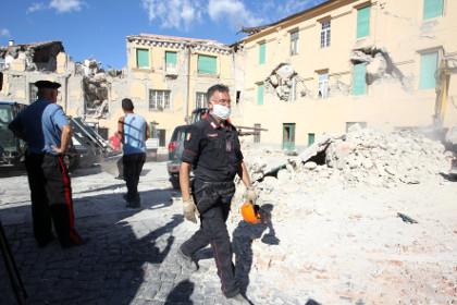 Число погибших от землетрясения в Италии приблизилось к 250