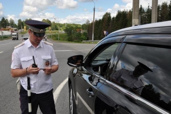 В Смоленской области сотрудники ГИБДД задержали водителя с поддельными правами