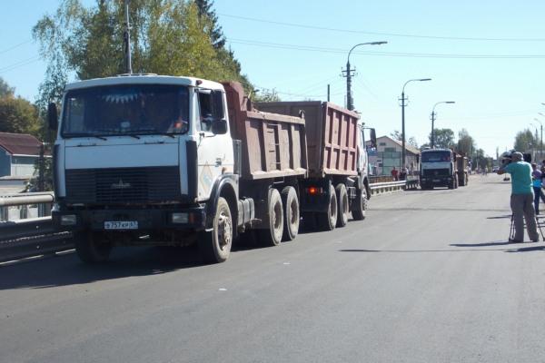 В Велиже Смоленской области протестировали восстановленный мост
